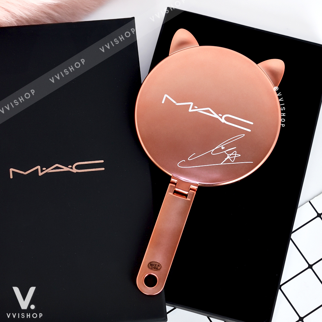 MAC Lisa Love Me Hand Mirror