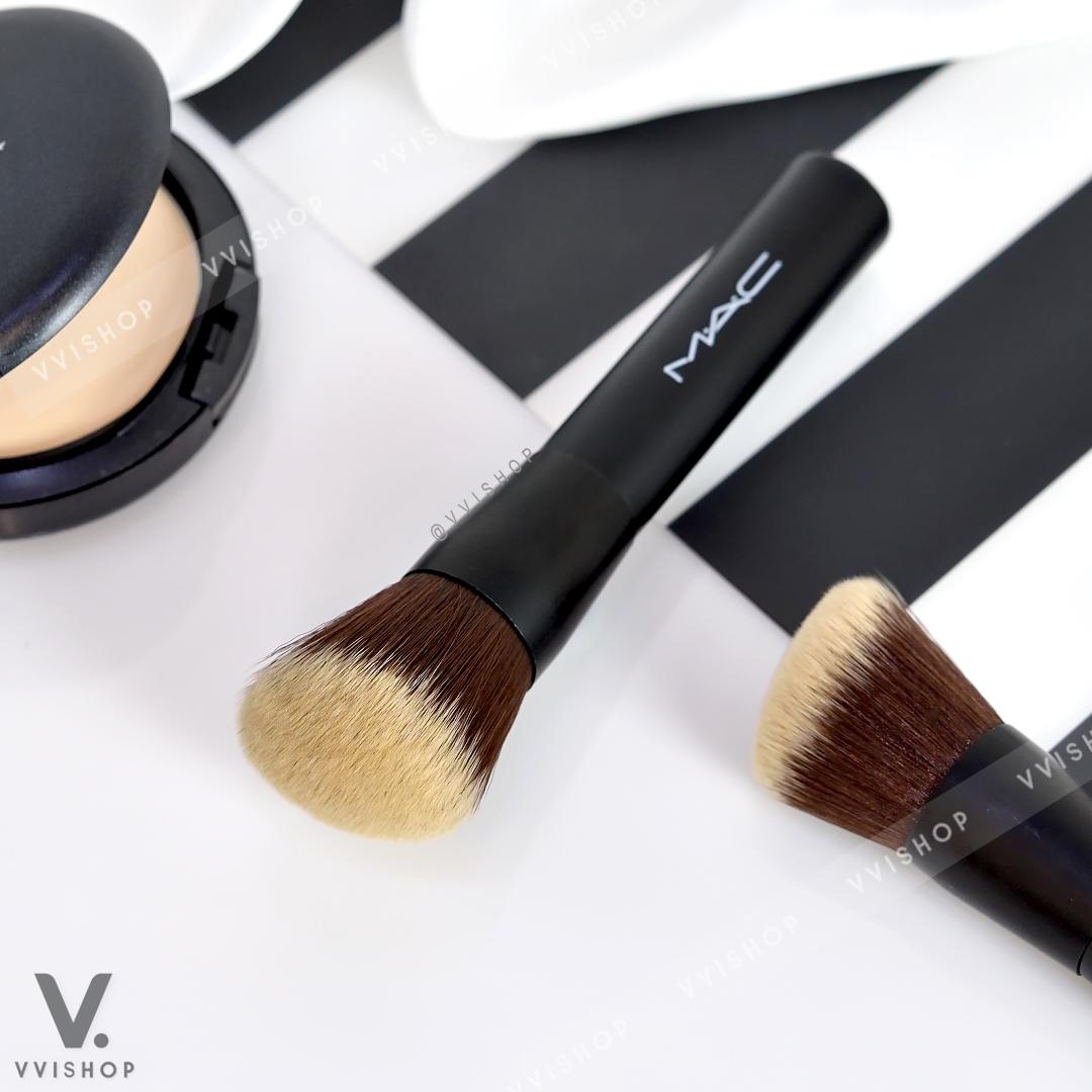 New! MAC Angle Brush